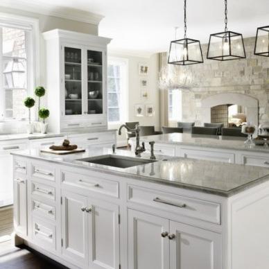 Inspirujące pomysły na aranżację kuchni - białe szafki w roli głównej :)