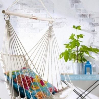 Letnie aranżacje na relaks w domu i w ogrodzie, czyli o hamakach, wiszących fotelach i łóżkach