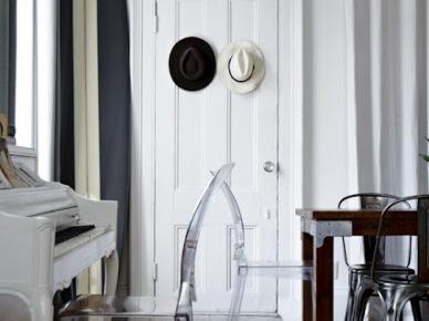 Mały,czarno-biały apartament. (7036)
