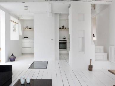 Otwarta zabudowa mieszkania w śnieżnobiałej bieli (20585)