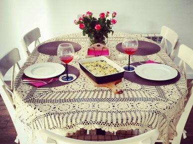 Aranżacja jadalni z okrągłym stołem (47803)