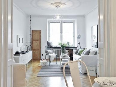 Romantyczny biały salon w skandynawskim stylu (20644)