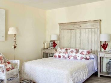 przepiękny dom urządzony według projektu Guilleen`a Mallol - stylowy domek z prowansalskimi meblami i dekoracjami....