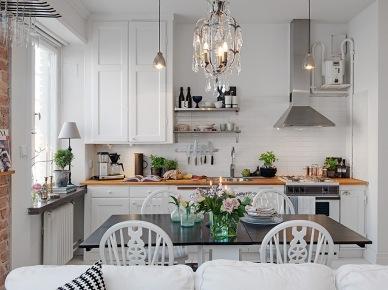 Otwata kuchnia z jadalnią i salonem w małym mieszkaniu (22401)