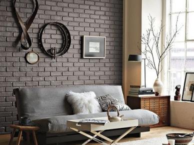 aranżacja salonu ze ścianą w cegle - piękny i modny kolor szarej cegły jest dobrym miejscem na ekspozycję...