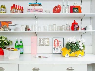 Kolorowe dodatki do białej kuchni (50067)
