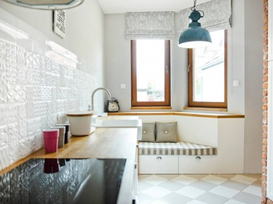Leżanka pod oknem w kuchni (47878)