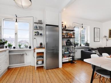 Małe, jasne mieszkanie w stylu skandynawskim (49006)