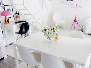 Biała jadalnia z różowymi lampami (20587)