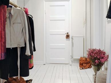 Skandynwaskie wejście do domu. (5344)
