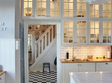 Jak urządzić kuchnię w białym kolorze - pomysły i zdjęcia? | Lovingit (16142)