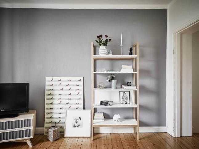 Szare ciany drewniany prosty rega a z p lkami zdj cie w serwisie 26555 - Kleur van de muur kamer verf ...