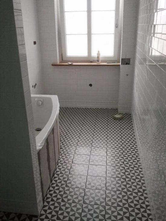 Płytki Z Mozaiką Na Podłodze W łazience Zdjęcie W Serwisie