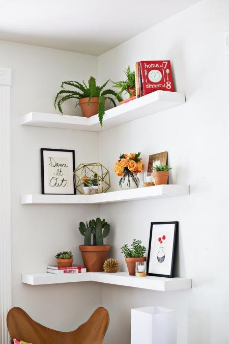 Półki Narożnikowe Jako Sposób Na Małą Przestrzeń Zdjęcie W