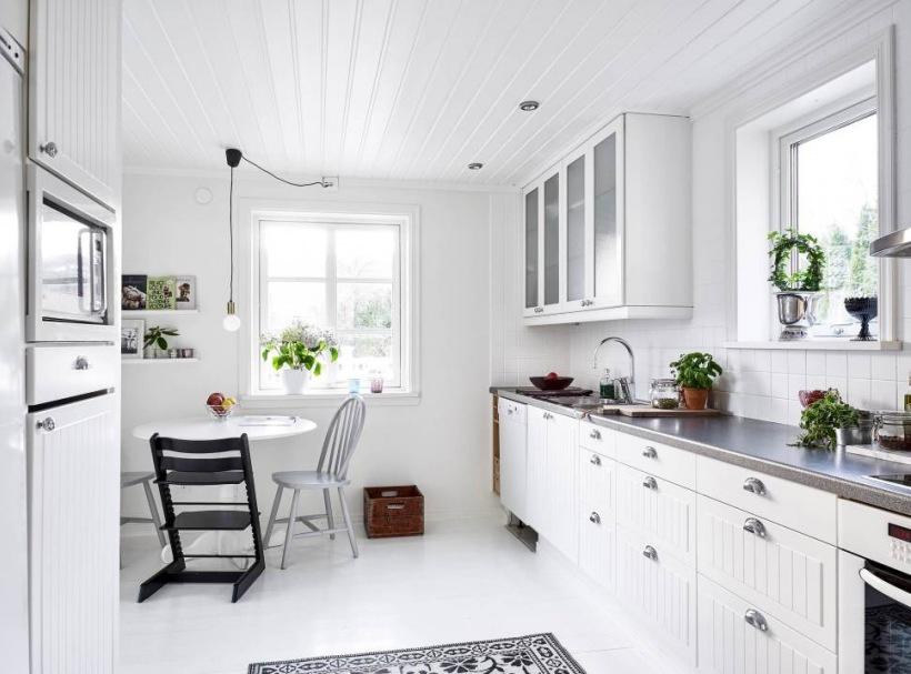 Biała Kuchnia W Stylu Skandynawskimskandynawska Zdjęcie W