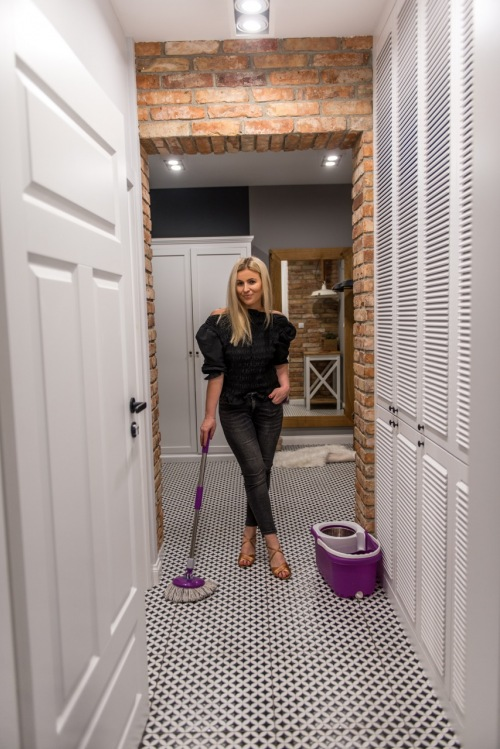 Jak wycisnąć maksimum na małej przestrzeni w mieszkaniu? Złote zasady, dzięki którym nie popełnisz błędów!