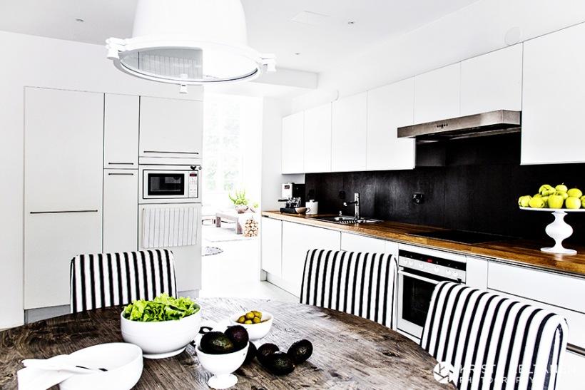 Aranżacja Biało Czarnej Kuchniczarne Szkło Zdjęcie W