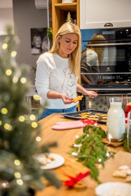 Najprostszy na świecie przepis na pierniki, który zawsze wychodzi! I moja playlista świąteczna do pieczenia!