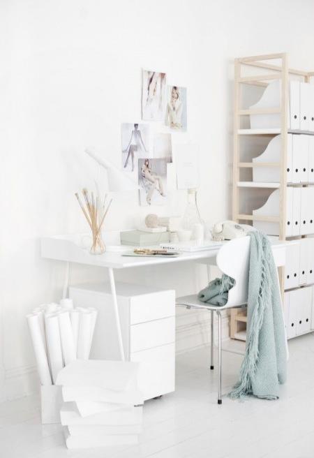 Groovy Nowoczesne białe i proste biurko z krzesłem - zdjęcie w serwisie BC02