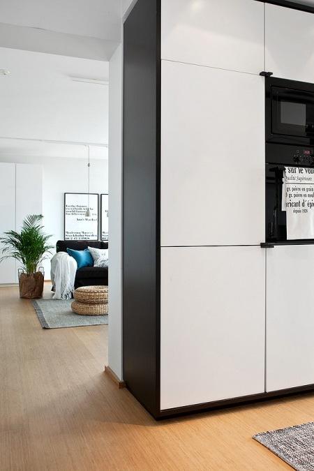 Biało Czarna Kuchnia Otwarta Salon W Stylu Zdjęcie W