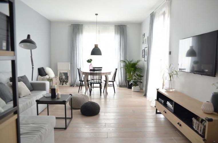 Przytulne pastelowe mieszkanie z pięknym tarasem z polskiej pracowni :)