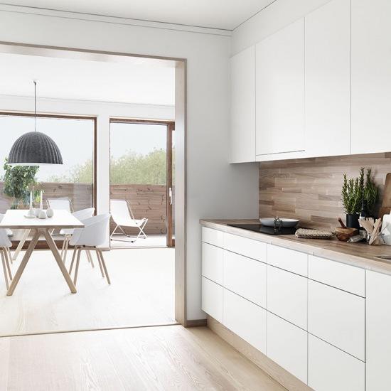 Biała Minimalistyczna Kuchnia Z Dodatkiem Zdjęcie W