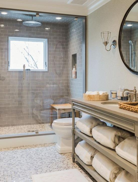 Aranżacja łazienki W Drewnie I Kamieniu Zdjęcie W Serwisie