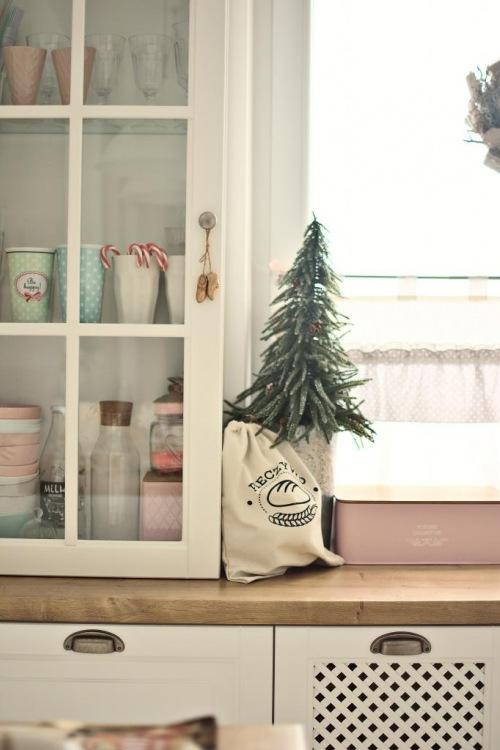 Inspirująca aranżacja kuchni naszej czytelniczki z lekką świąteczną dekoracją!