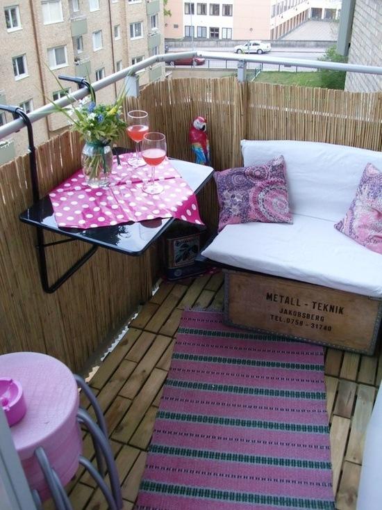 Podwieszany Stolik Na Balkonie Zdjęcie W Serwisie Lovingit