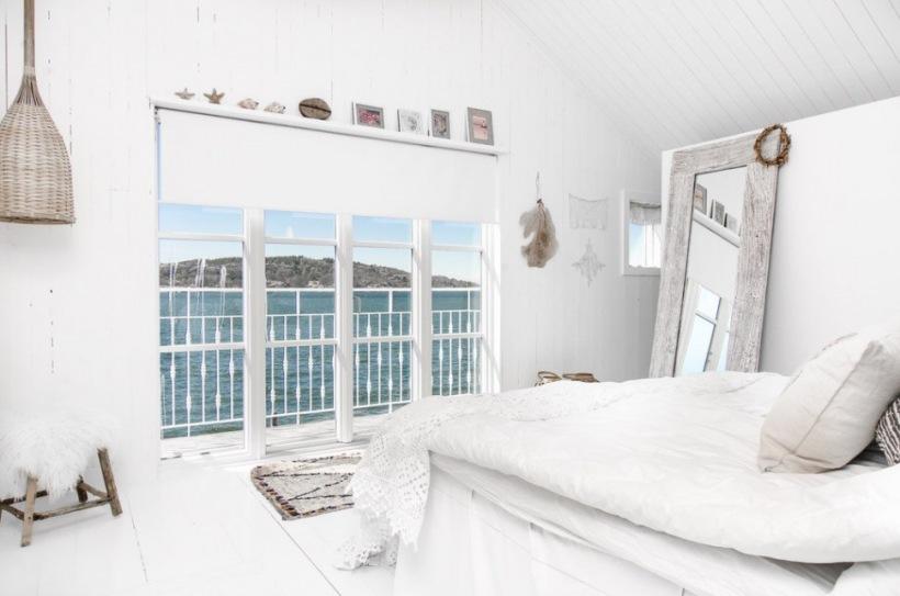 Duże Stojące Lustro Z Bielonego Drewnaplecione Zdjęcie W Serwisie