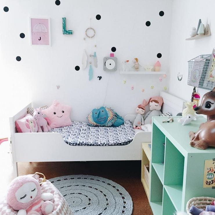 Dekoracje ścienne W Pastelowym Pokoiku Dziecięcym Zdjęcie