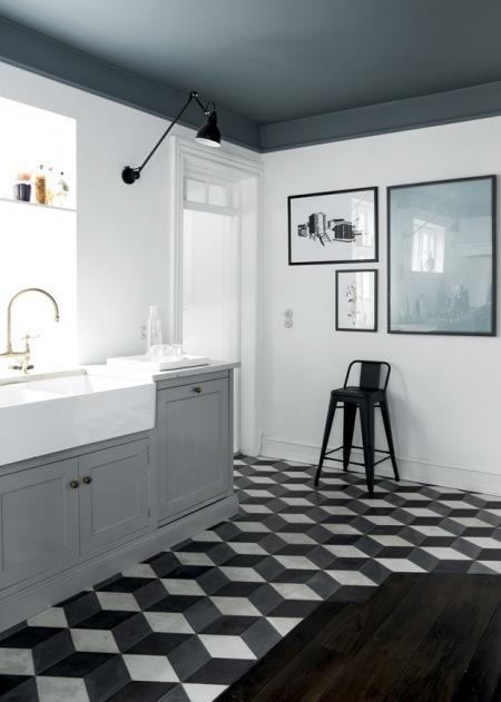Heksagonalne Płytki Na Podłodze W Biało Szarej Zdjęcie W