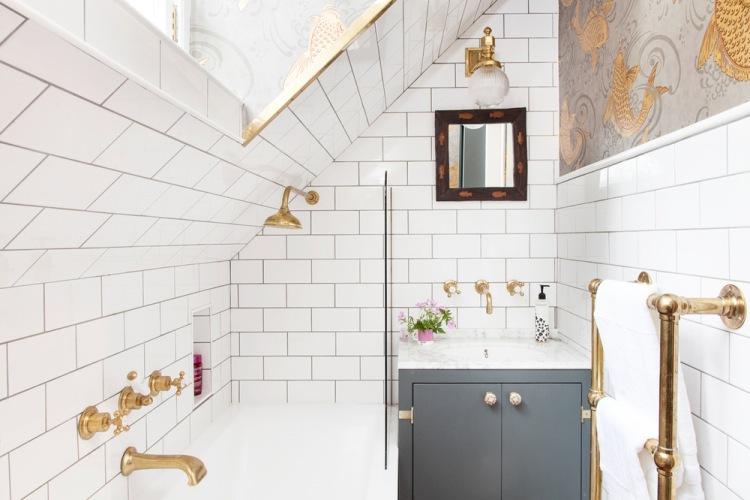 Wyjątkowo oryginalna i piękna aranżacja małego wnętrza na poddaszu, czyli before & after łazienki