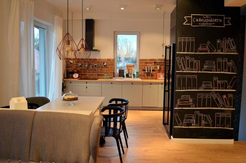 Farba Tablicowa W Aranżacji Otwartej Kuchni Zdjęcie W