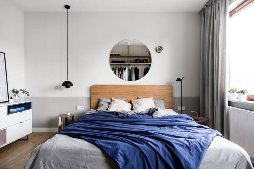 Aranżacja Stylowej Sypialni Z Drewnianym łóżkiem Zdjęcie W