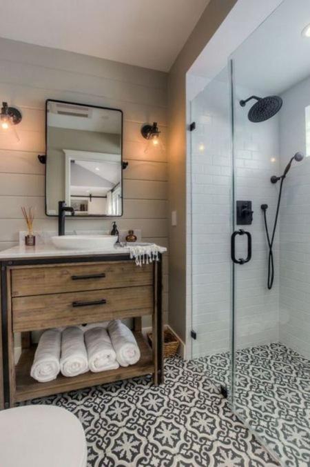 Aranżacja Oryginalnej łazienki Z Marokańskimi Zdjęcie W