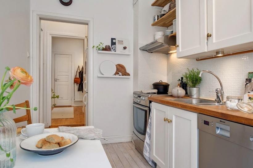bia a kuchnia z drewnianym blatem zdj cie w serwisie 51766. Black Bedroom Furniture Sets. Home Design Ideas