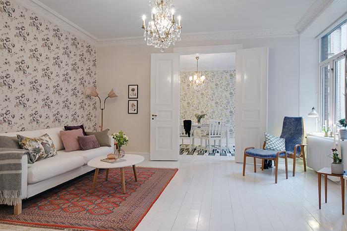 Kwiatowe Tapety Na ścianie W Skandynawskim Zdjęcie W