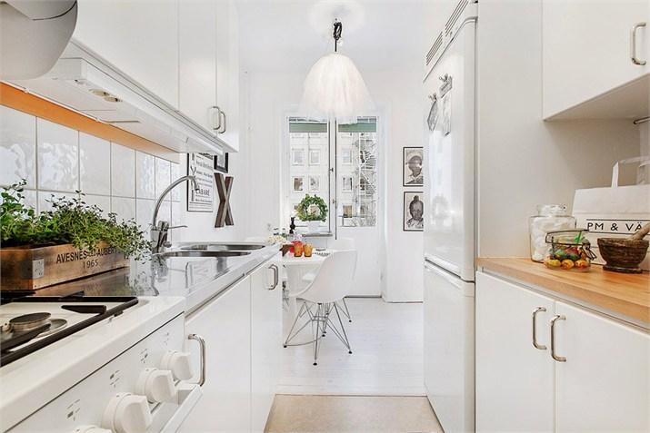 Wąska biała kuchnia w skandynawskim stylu  zdjęcie w serwisie Lovingit pl (2   -> Kuchnia W Bloku W Stylu Skandynawskim
