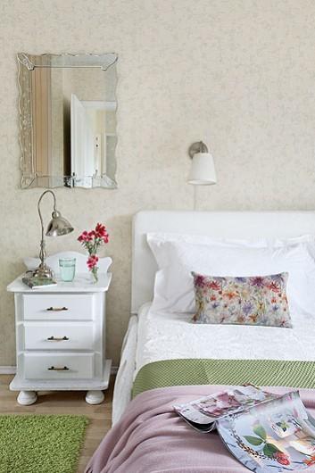 Romantyczna sypialnia z białymi meblami - zdjęcie w serwisie Lovingit.pl (21281)
