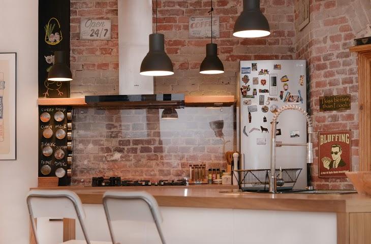 Czerwona cegła w kuchni  zdjęcie w serwisie Lovingit pl (43534) -> Kuchnia Biel Cegla