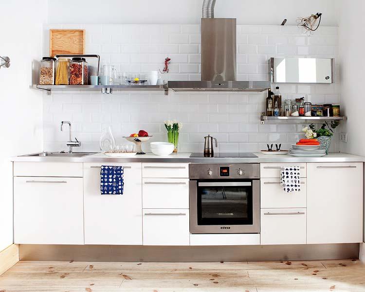 Biała kafelki w kuchni  zdjęcie w serwisie Lovingit pl   -> Kuchnia I Kafelki