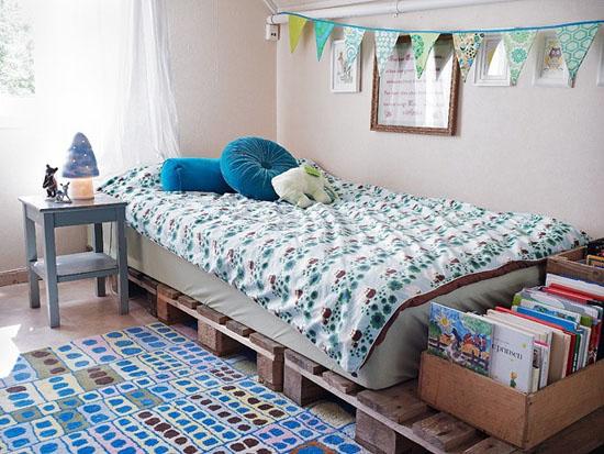 Łóżka , biurka i półi z drewnianych palet - zdjęcie w serwisie Lovingit.pl  (24309)