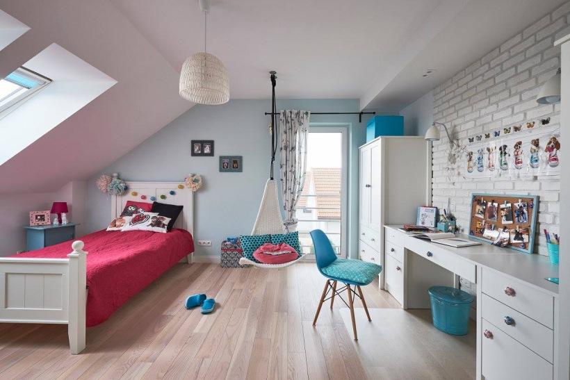 Przestronny pokój dziecięcy na poddaszu z - zdjęcie w serwisie Lovingit.pl (51795)