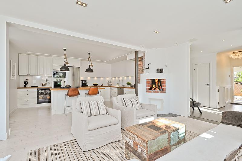 Biały salon z kuchnią inspiracje  zdjęcie w serwisie Lovingit pl (41234 -> Inspiracje Domowe Kuchnia