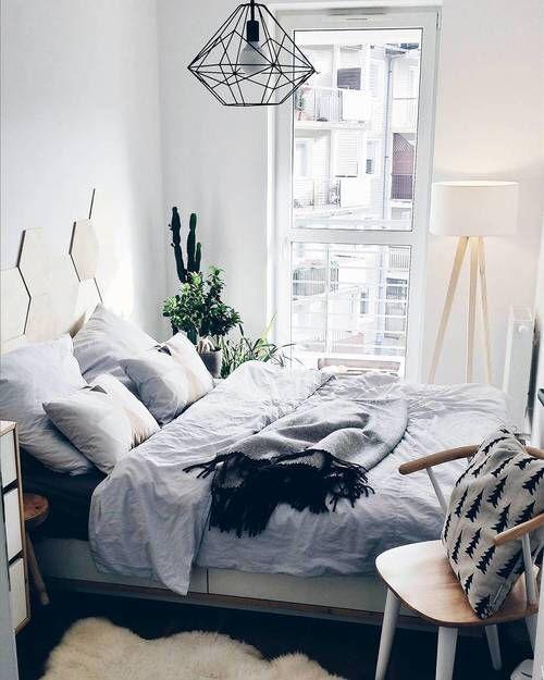 Bedroom Decor Ideas Tumblr Bedroom Blue Accent Wall Bedroom Colors Accent Wall Master Bedroom Wallpaper Ideas: Mała Sypialnia W Szarym Kolorze
