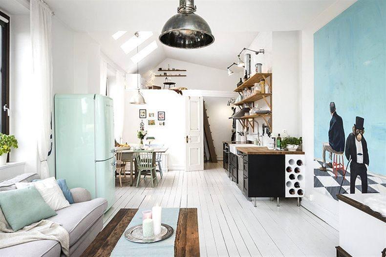 Bia a drewniana pod oga w salonie i kuchni zdj cie w for Arredare piccole case