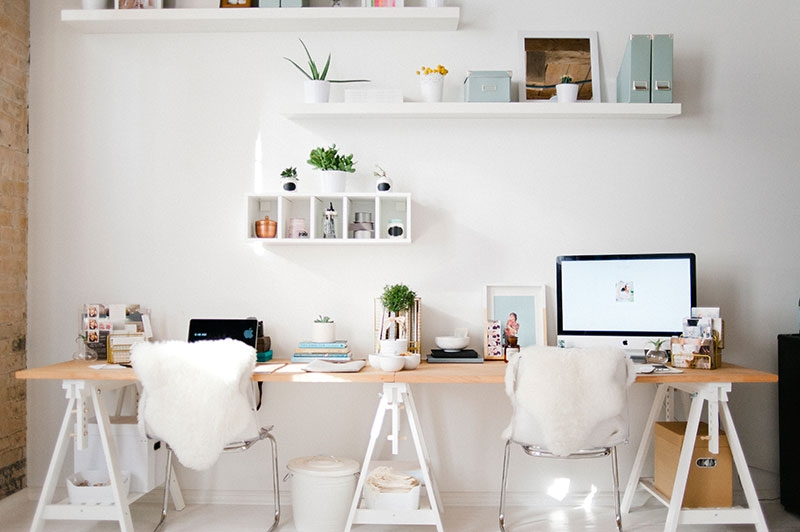 Podw jne biurko w domowym gabinecie zdj cie w serwisie - Espacios de trabajo ikea ...