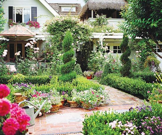 Ogród Kwiatowy Przed Domem Zdjęcie W Serwisie Lovingitpl 15216