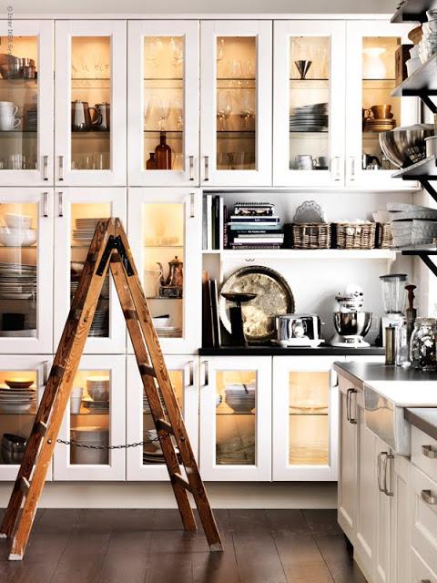 Przeszklone Szafki W Kuchni Zdjęcie W Serwisie Lovingitpl